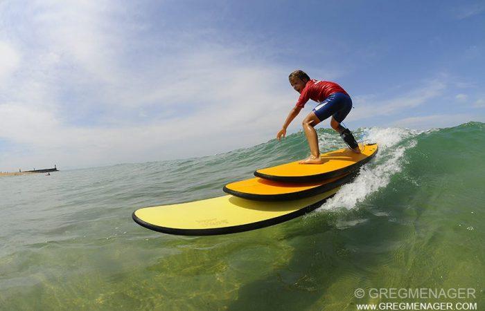 surf sur une vague de Capbreton avec 3 planches en mousse